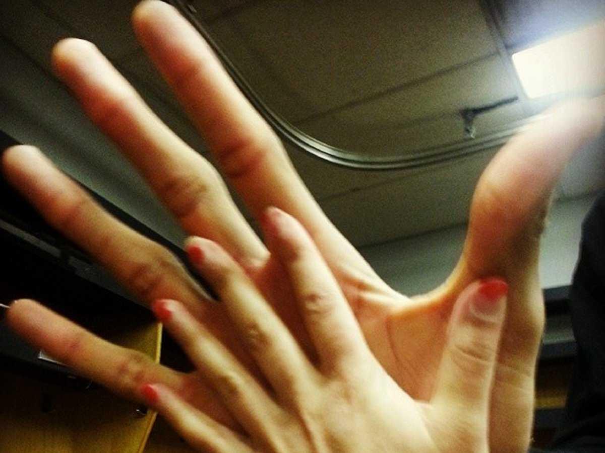 Сравнила палец с попой 11 фотография