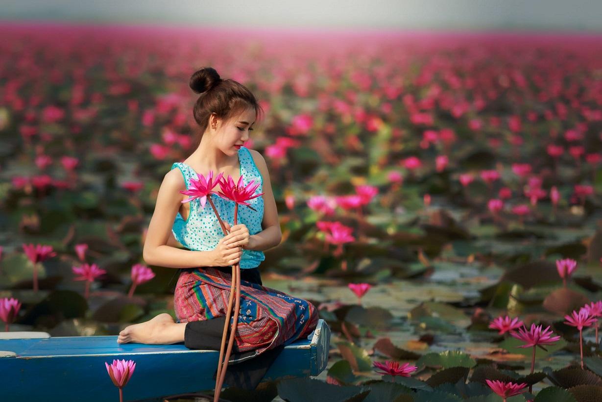 14 şubatta sözlük kadınlarına çiçek gönderiyoruz