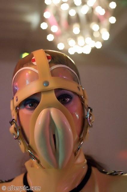 Aralık 24, 2008. sarı am. sarisin. Yazar. avratlar. amcık ağzı