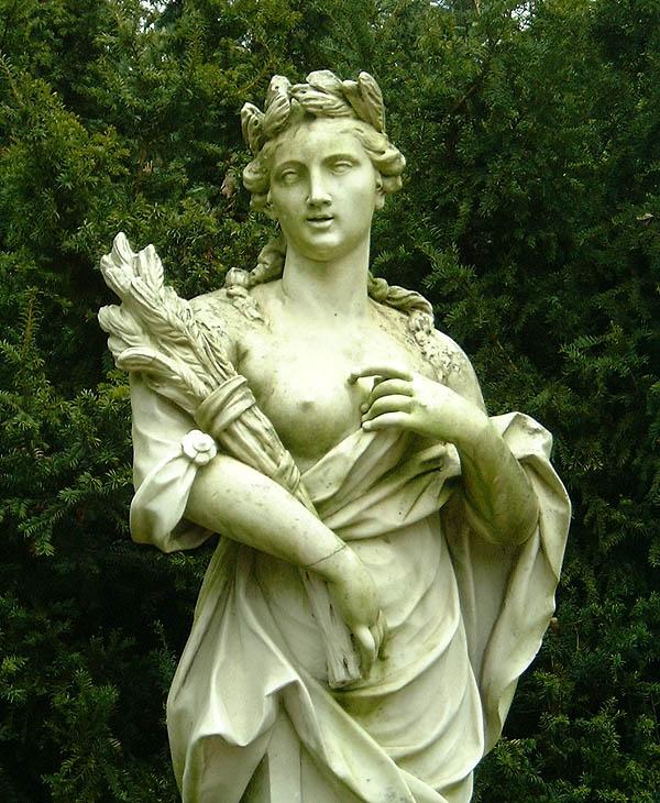 Güzel Saçlı Tanrıça Demeter