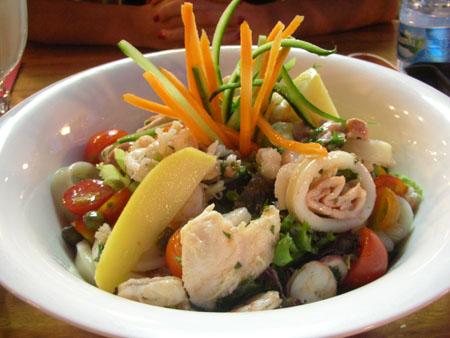 Deniz mahsülleri salatası önceki sonraki