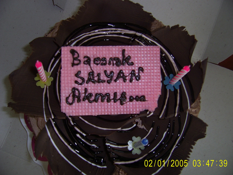doğum günü pastasının üzerine yazdırılan yazı