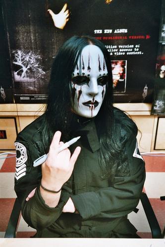Барабанщик Joey Jordison