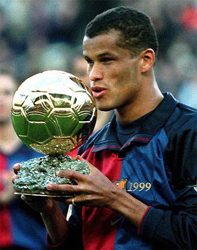 Pogodi koji je ovo nogometaš na slici - Page 2 Vitor+borba+ferreira+rivaldo